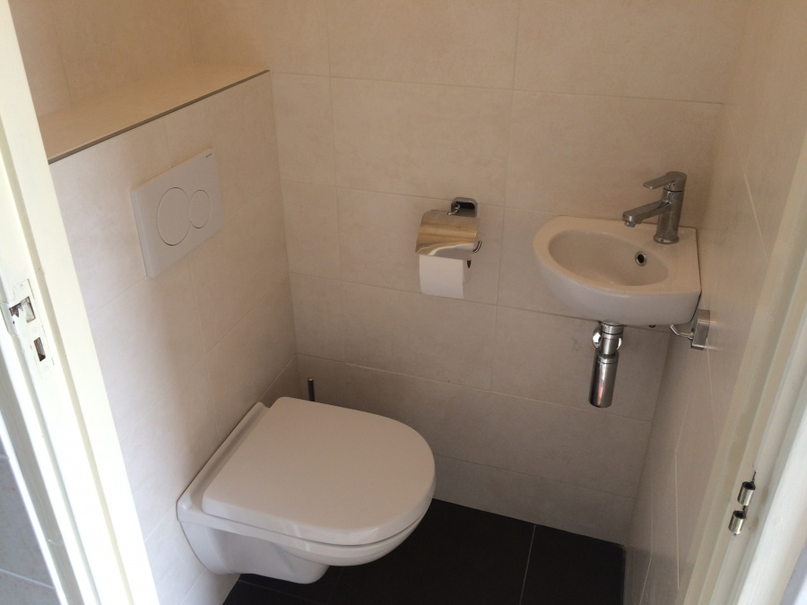 Witte uitgeest compleet nieuw toilet voor u20ac 3.390